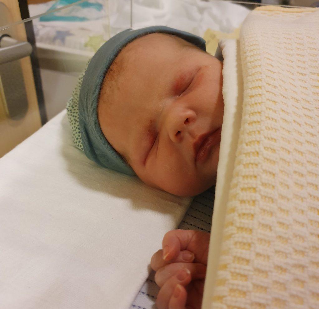 Emma, Henja, naam, naam kindje, betekenis Emma, betekenis Henja, babynaam, baby naam, babynaam kiezen, baby naam kiezen,